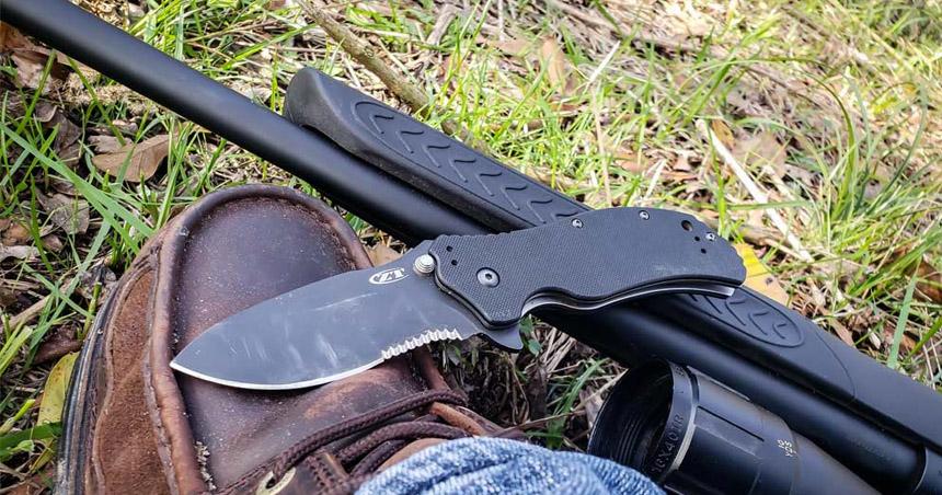 Skinning knife.